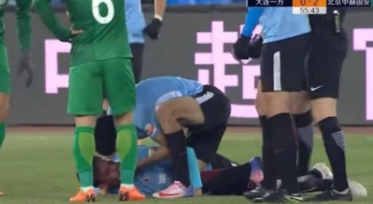 Dalian Yifang midfielder Nico Gaitan suffers horror injury after collison with Beijing Guoan player
