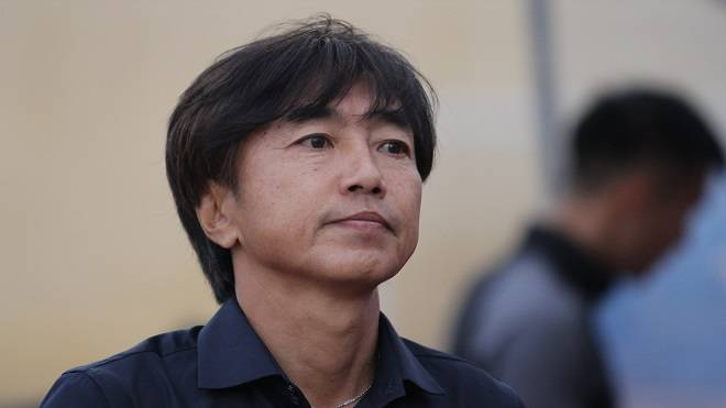 Former Vietnam coach Toshiya Miura suffers a defeat in V-League 1 opening game