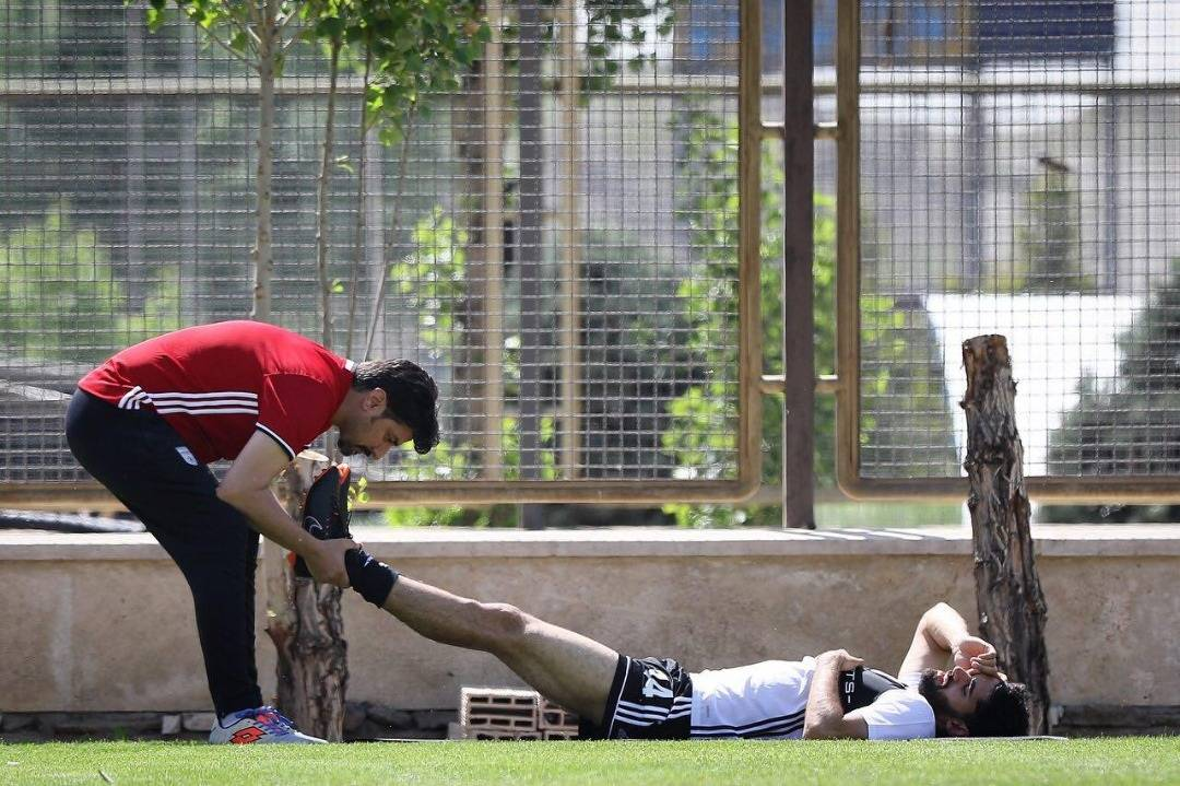 Iranian midfielder Ali Karimi set to miss World Cup due to injury