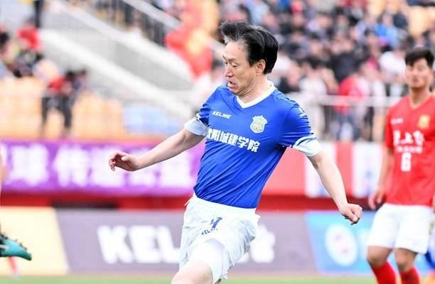 Shenyang Dongjin chairman becomes the oldest scorer in China football league