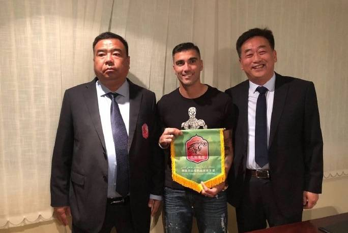 Former Arsenal player Jose Antonio Reyes moves to China's second tier