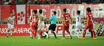 Hai Phong and Da Nang Match Descends Into Chaos While Ho Chi Minh City Regain Top Spot