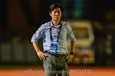BREAKING: Yoon Jong-Hwan In Talks with Thai FA Over National Team Job