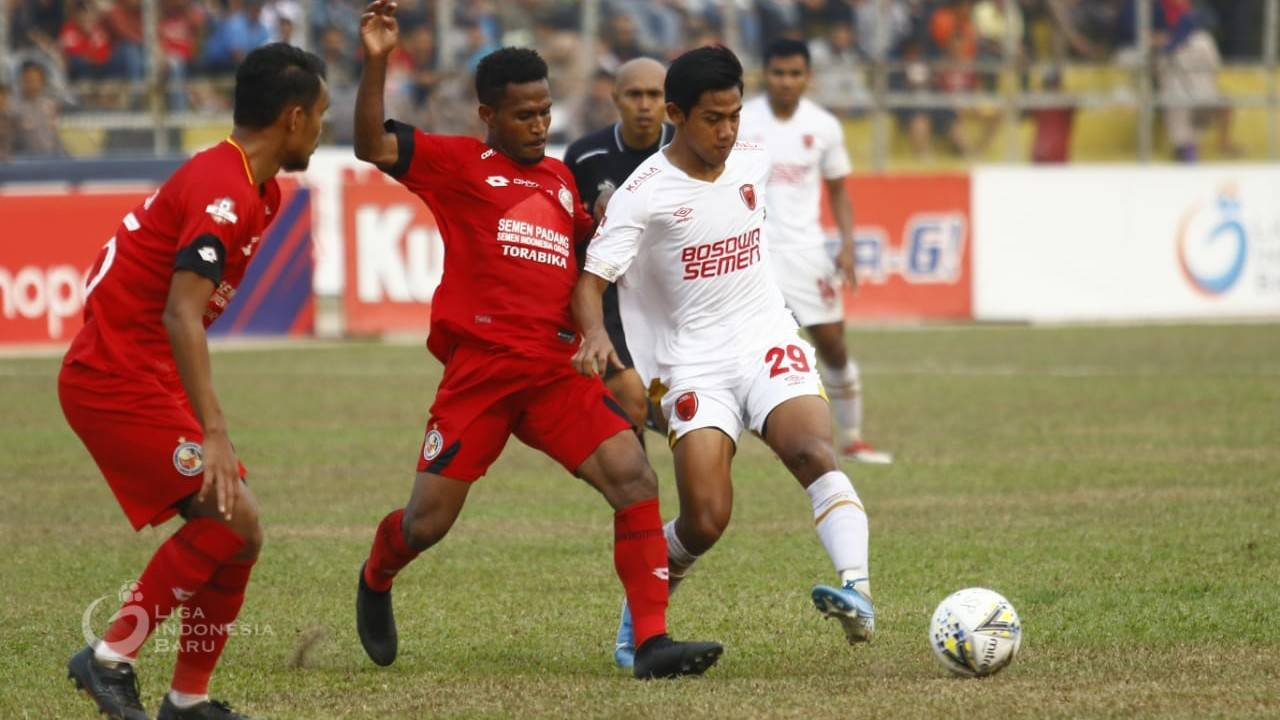 Two Goalkeepers Injured as PSM Lose to Semen Padang
