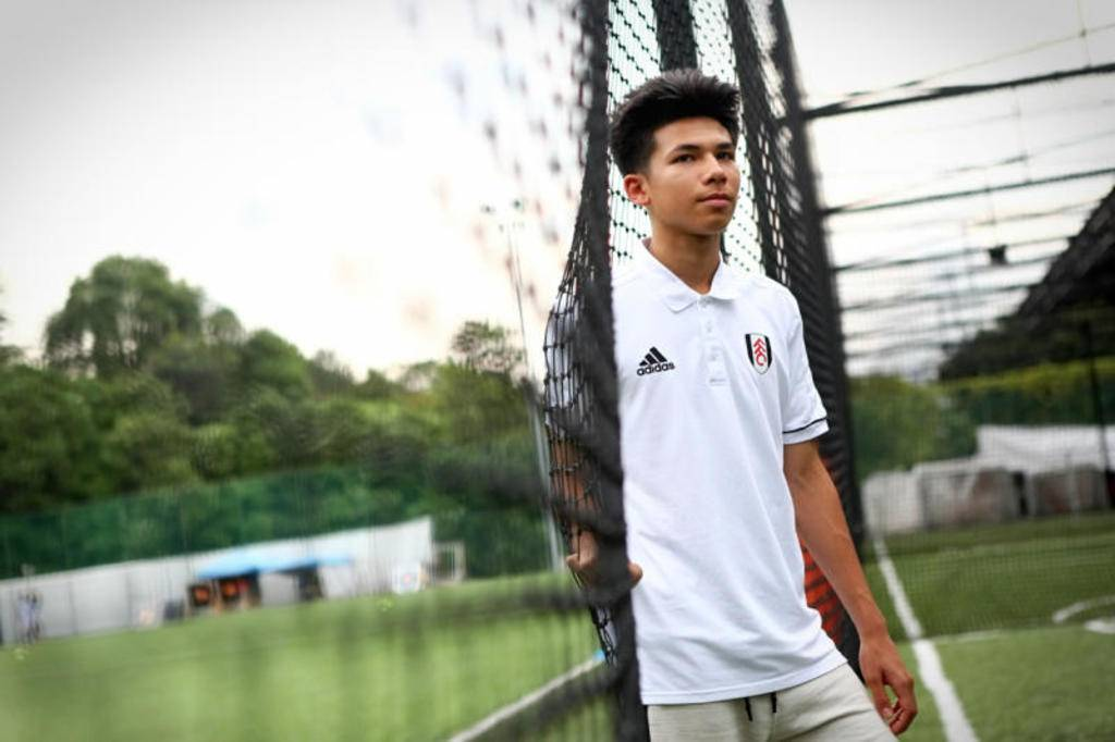 Fulham Midfielder Ben Davis Chooses to Represent Thailand