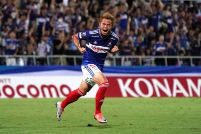 Theerathon Scores First Goal For Yokohama F. Marinos
