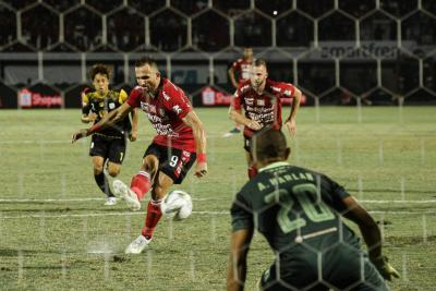 Bali United Edge Out 5-Goal Thriller in 17th Win