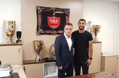 Official: Ahmad Norollahi extends his contract with Persepolis