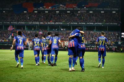 Port Beat Ratchaburi to Lift FA Cup Trophy