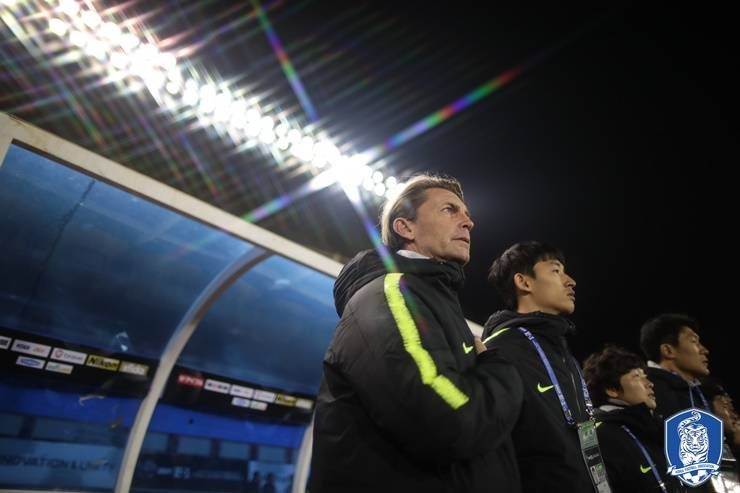 Korea women's national team ends the 2019 EAFF E-1 as runner-up… Manager Colin Bell disappointed by the result