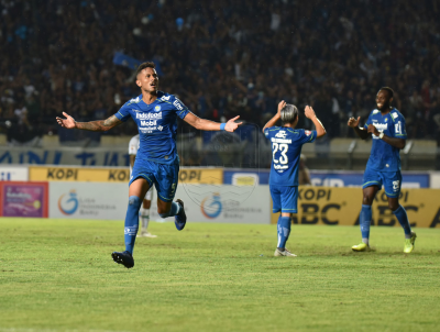 Persib Continue to Set Pace as East Javan Teams Falter