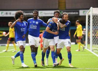 Late Drama Denies Arsenal and Leicester
