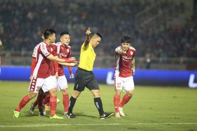 Refereeing Controversy Mars HCMC-Hanoi Duel