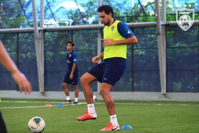 Major Thai League club pulling out of Diogo Luis Santo transfer race