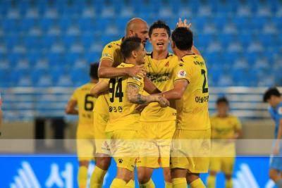 Watch Cesinha face off against Felipe Silva in the 10-goal thriller between Daegu and Gwangju