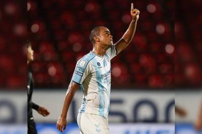 Júnior Negão hits 20-goal mark with double during Seongnam win