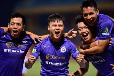 It's the Van Quyet and Quang Hai Show as Hanoi Destroy HCMC to Set Up Capital Derby Final