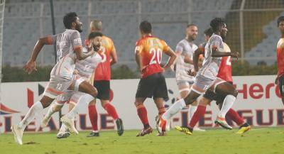Chennai City FC pips Quess East Bengal 2-1 in Kolkata to claim top spot