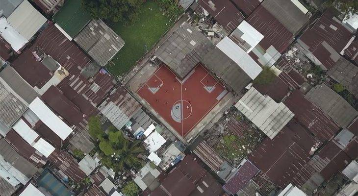 5 Stadion Paling Aneh di Dunia