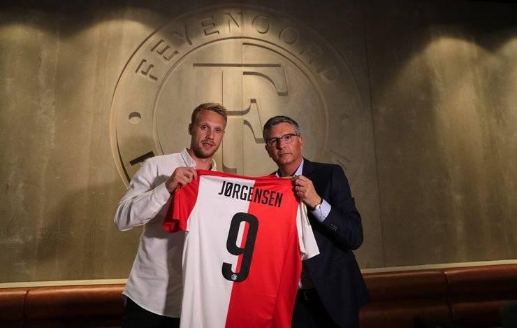 Nicolai Jorgensen menjadi pujaan baru fans Feyenoord.