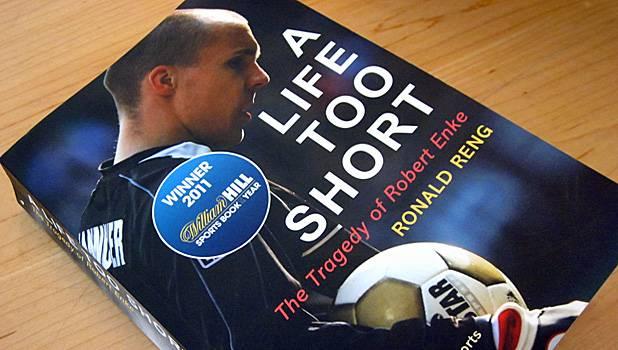 Buku Sepak Bola
