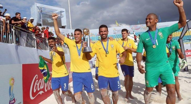 Mengenal Sepak Bola Pantai, 'Anak Angkat' FIFA yang Unik