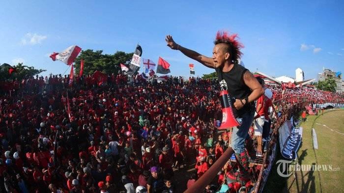 Dari Tribun Mattoanging: Suka Duka Komunitas VIP Selatan