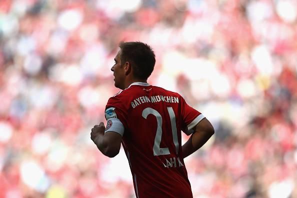 Menerka Suksesor Phillip Lahm di Bayern Muenchen