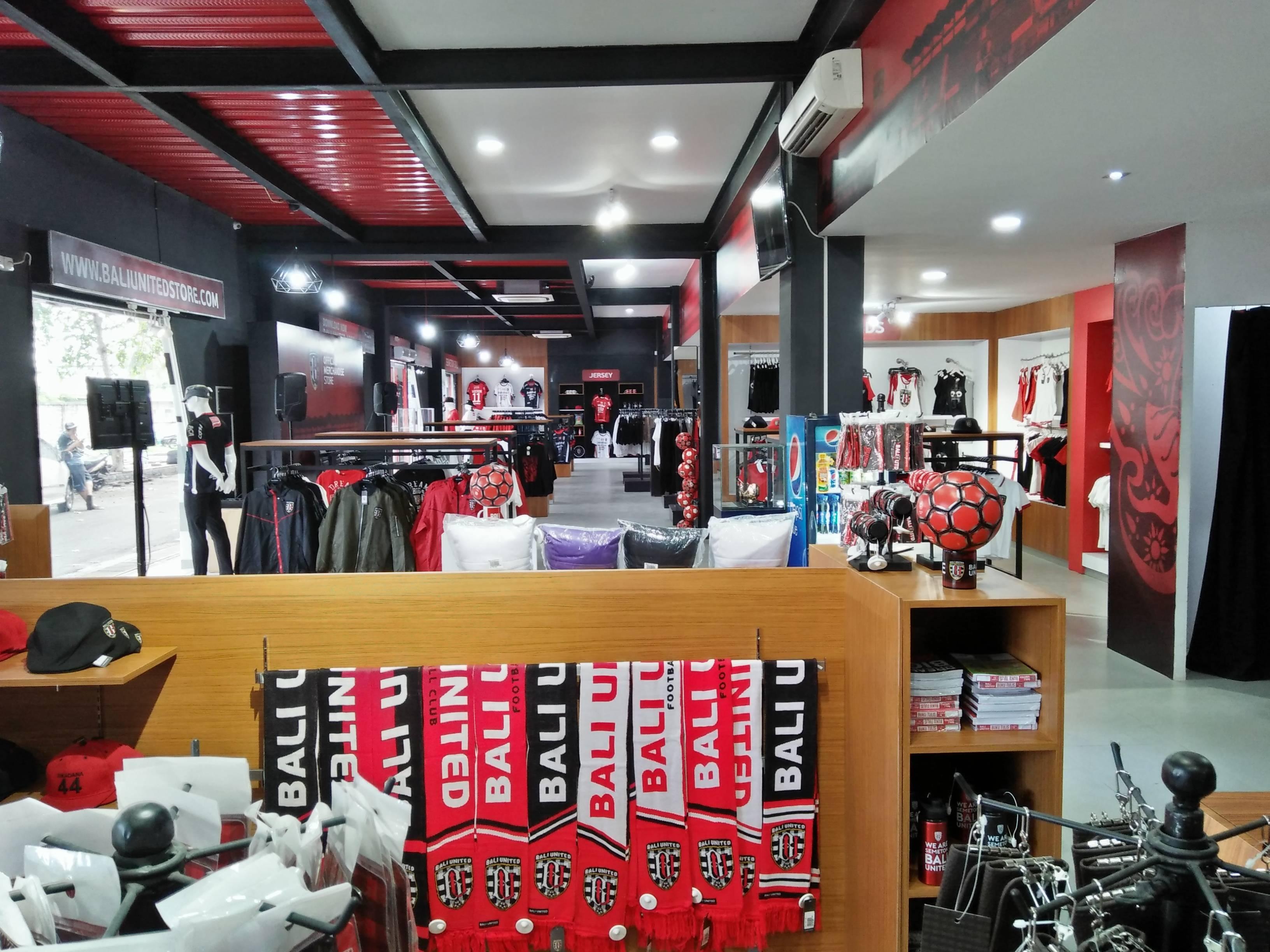 Bali United Store: Lebih dari Sekadar Toko Merchandise ...