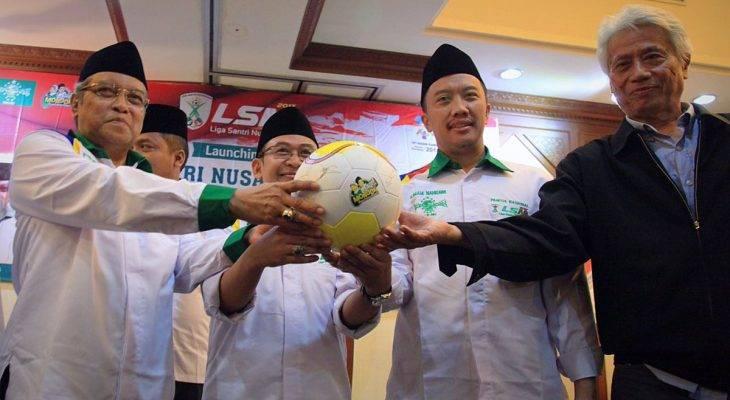 Liga Santri Nusantara: Sebuah Upaya Pengembangan Pesepak Bola Muda Indonesia melalui Pesantren