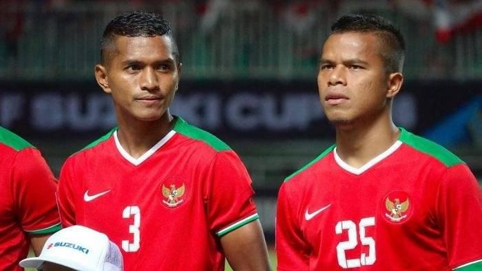 10 Pesepak Bola Indonesia yang Ternyata Seumuran