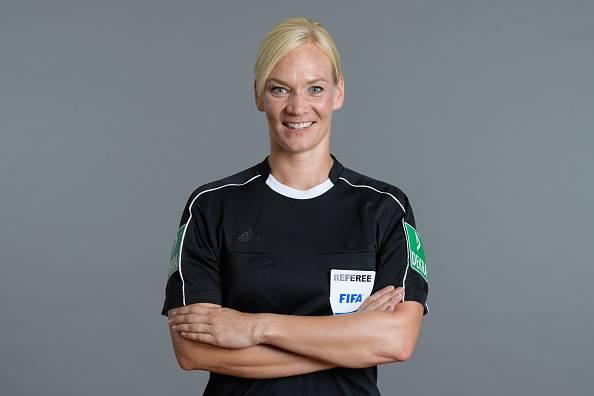Bibiana Steinhaus, Wasit Wanita Pertama di Bundesliga