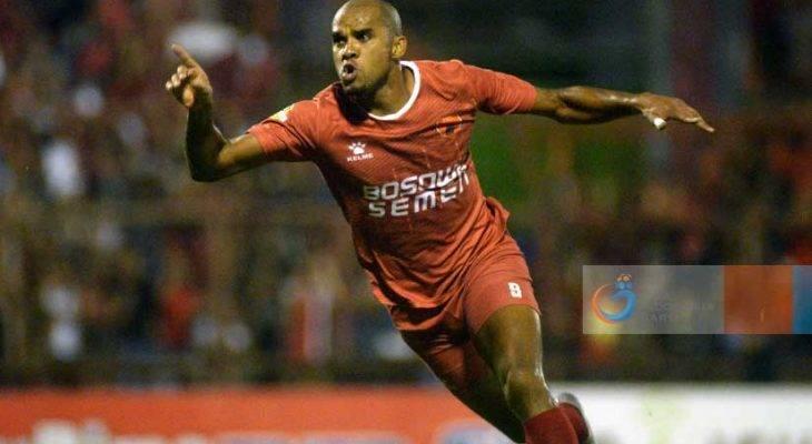 Plus dan Minus PSM Makassar Mendepak Reinaldo