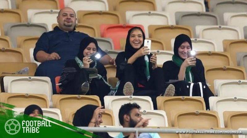 perempuan tidak boleh menghadiri kompetisi sepak bola
