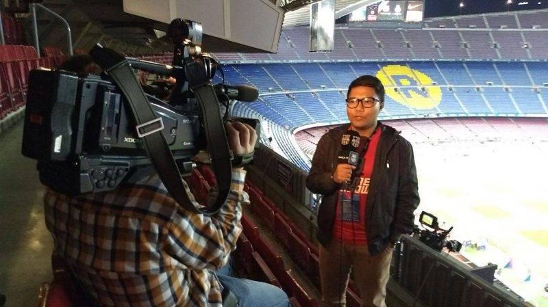 meliput langsung di Camp Nou