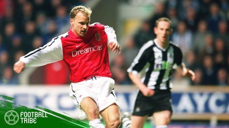 Dennis Bergkamp ke gawang Newcastle