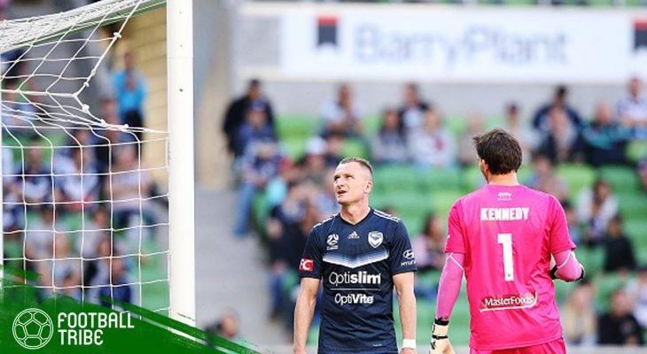 Jaring Gawang Putus di Liga Australia, Para Pemain Turun Tangan Membetulkan Sendiri