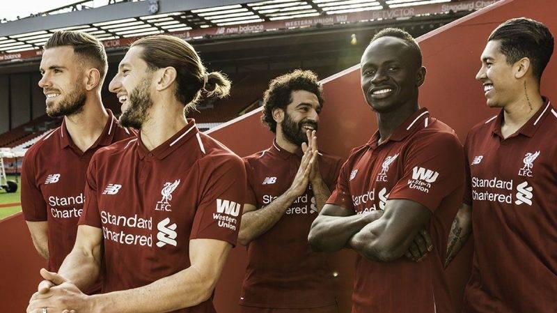 jersey kandang Liverpool