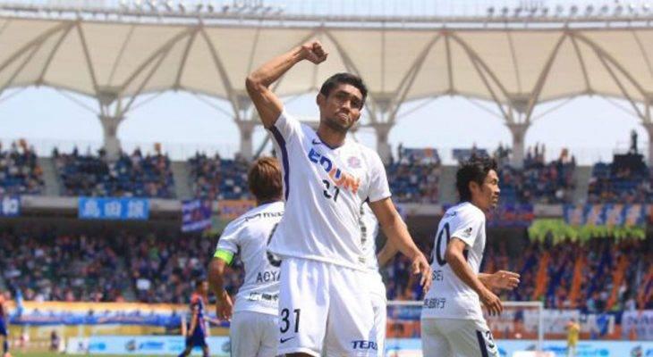 Gol Teerasil Dangda Awali Kemenangan dan Mantapkan Sanfrecce Hiroshima di Puncak J1 League