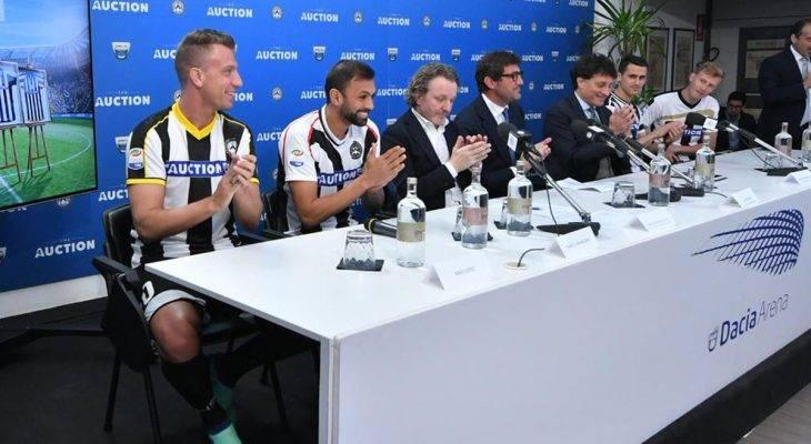 Pemain Udinese Kenakan 11 Jersey Berbeda di Pertandingan Melawan Lazio untuk Kepentingan Lelang