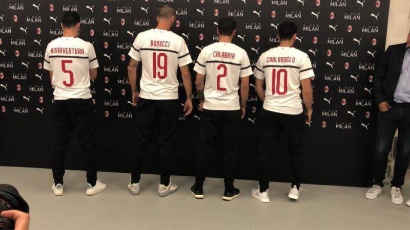 jersey tandang AC Milan