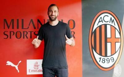 Gonzalo Higuain dan Nomor 9 yang Fana di AC Milan