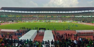 Banner dan Fungsinya dalam Pertandingan Sepak Bola