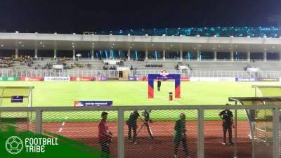 Pemandangan Stadion Madya Kala Persija Berlaga