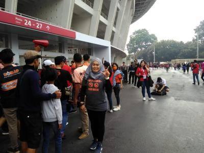 Bunda Temmy, Tentang Tribun Tanpa Asap di Jakarta