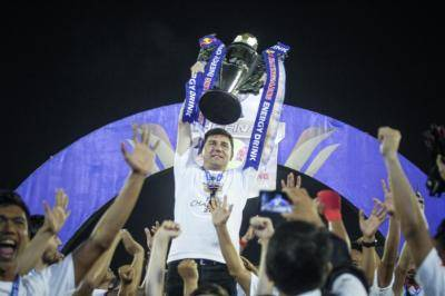 Cerita Cinta dari Final Piala Indonesia yang Tertunda