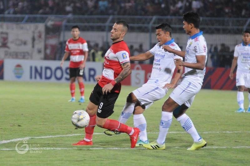 Penalti di Laga Madura United vs Persib: Kebetulan atau Dipaksakan?