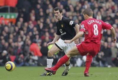 Jika Legenda Liverpool dan MU Dikumpulkan di Satu Tim