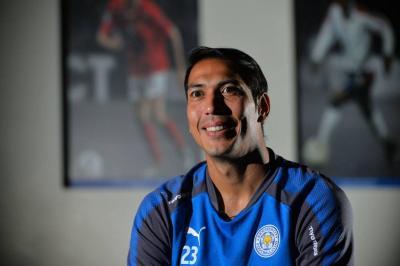 Penyambung Nafas Leicester City, Leonardo Ulloa
