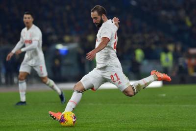 Higuain Susul Matuidi Meninggalkan Juventus